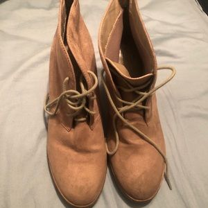 American Eagle Booties size 10